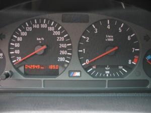 M3-6-speed-42k km-portfolio-11